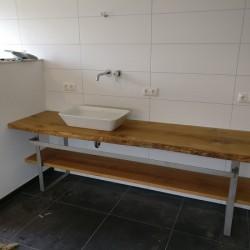 Kundenprojekt: Waschtischplatte und Handtuchablage im Neubau!