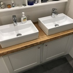 kundenprojekt eichen waschtischplatte mit zwei aufsatzwaschbecken. Black Bedroom Furniture Sets. Home Design Ideas
