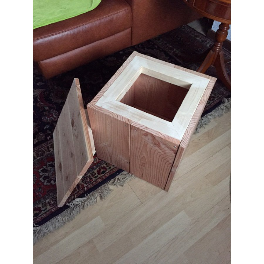 sitzw rfel aus holz holzblock holzdeko sitzhocker. Black Bedroom Furniture Sets. Home Design Ideas